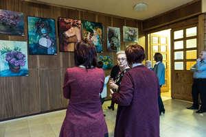 Wernisaż Ewy Pisarskiej z okazji Dnia Kobiet w Miejsko-Gminnym Ośrodku Kultury