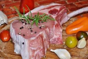 Jesz za dużo mięsa? Narażasz się na raka jelita grubego, udar lub wylew