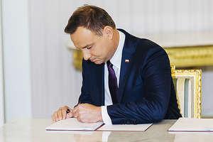 W Polsce trwa żałoba narodowa