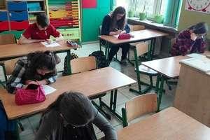 W szkole w Dzietrzychowie walczyli o tytuł Mistrza Ortografii