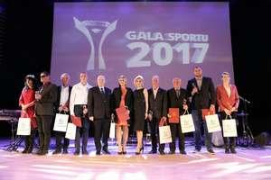 Samorząd nagrodził najlepszych sportowców. Zobacz zdjęcia!