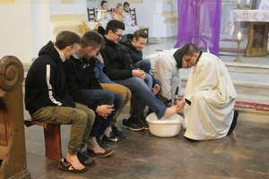 Rozpoczęło się triduum paschalne. Msza Wieczerzy Pańskiej w kościele w Bisztynku