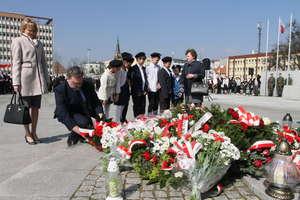 Od katastrofy smoleńskiej minęło już 7 lat. Wojewódzkie obchody rocznicy tragedii