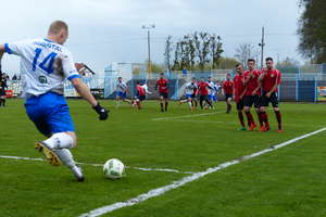 Piłkarska A klasa: Jeziorak rozgromił (8:0!) Grunwald w meczu na szczycie [ZDJĘCIA]