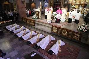 Młodzi dalej od Kościoła. Za kilka lat na Warmii zabraknie księży?