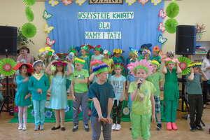 Uczniowie SP w Galinach dziękowali swoim rodzicom!
