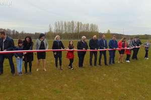 Otwarcie boiska trawiastego i III Seminarium naukowe w Szkole Podstawowej w Rumianie [zdjęcia]