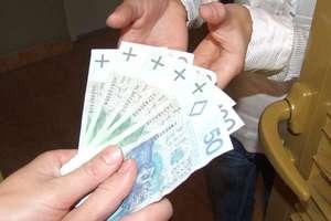 Trzy sprytne panie wyłudziły 8 tysięcy złotych