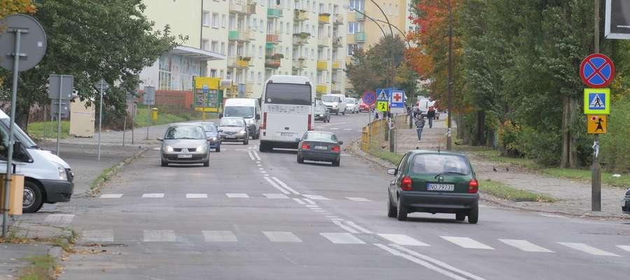 Jednym z przejść, które zostanie doświetlone, jest to,na skrzyżowaniu al. Sybiraków i ul. Rataja