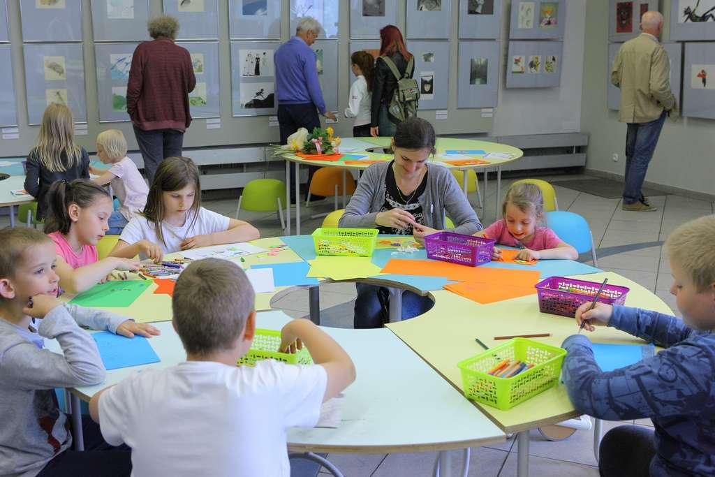 Artystyczne warsztaty rodzinne w BWA - full image