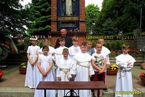 Po I Komunii świętej dzieci pojechały do Gietrzwałdu