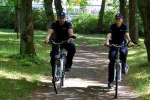 """Szczytno: """"Kręci mnie bezpieczeństwo"""" – policyjne patrole rowerowe wyruszyły w miasto"""
