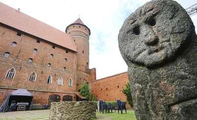 Olsztyński zamek  Olsztyn-Olsztyński zamek