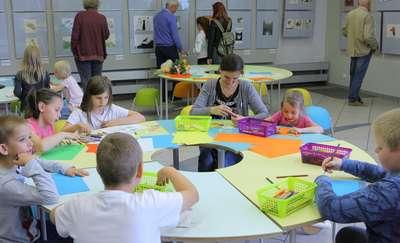 Artystyczne warsztaty rodzinne w BWA
