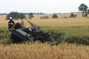 Śmiertelny wypadek na DW 594. Nie żyje 52-letni kierowca audi