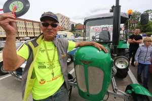 Przez Polskę traktorem. Poznaj niesamowitą historię [Film]
