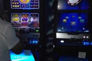 Automaty w Olsztynie nadal wyciągają pieniądze. Ustawa hazardowa jest martwa