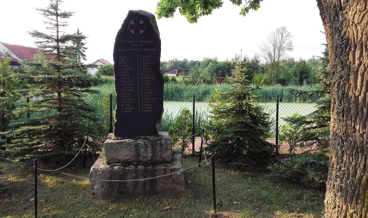 Kamionki: pomnik poległych w czasie Wielkiej Wojny - full image