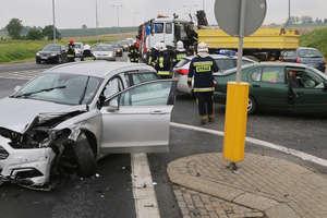 Wypadek na DK16 pod Barczewem. Dwójka dzieci w szpitalu