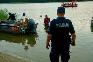 Policjanci znaleźli ciało w jeziorze Ruskim. To poszukiwany mężczyzna