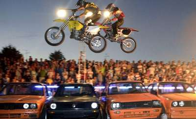 Ryk silników na stadionie Stomilu. Już w piątek w Olsztynie Stunt Show Speedway!