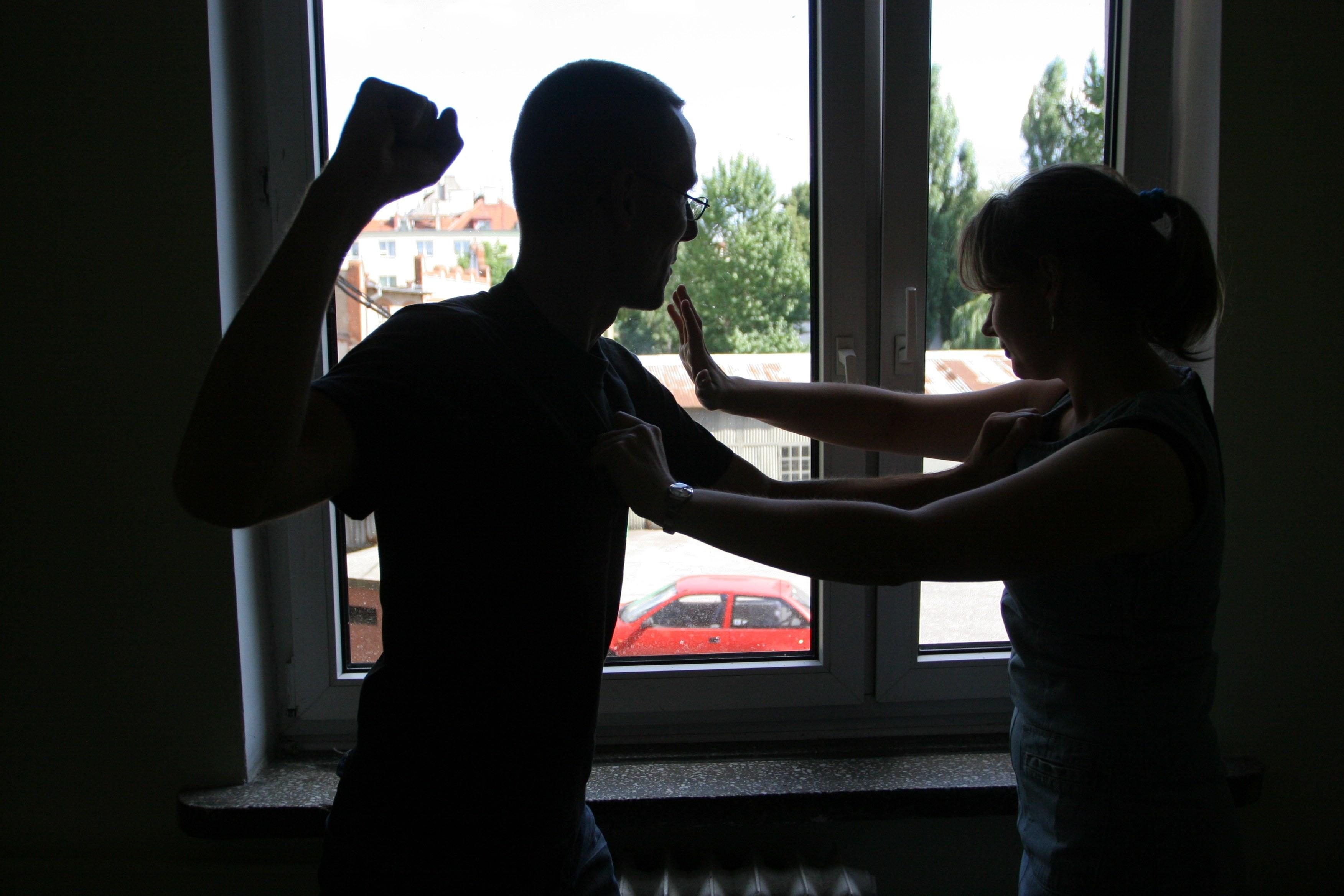 https://m.wm.pl/2017/09/orig/przemoc-beata-szyman-ska-417480.jpg
