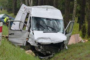 Wypadek na trasie Pisz-Ruciane-Nida. Zginął kierowca busa