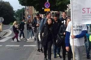 """Młodzież ze """"Staszica"""" na corocznej pieszej pielgrzymce do Lubajn"""