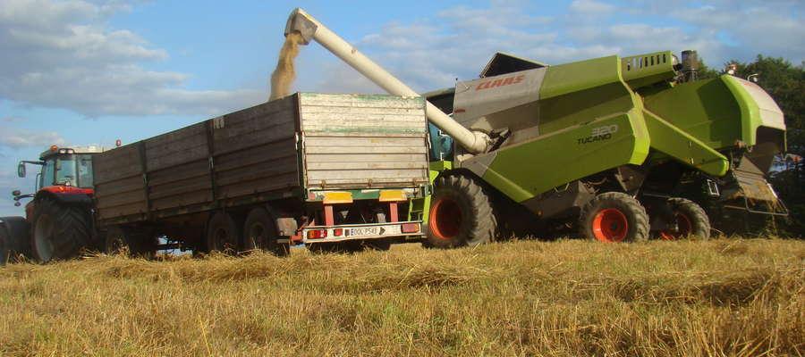 Czy w związku z zakazem handlu w niedzielę i święta, w sytuacji awarii maszyny, rolnicy będą musieli odłożyć pracę i zmuszeni będą czekać na przyjazd serwisu do poniedziałku?