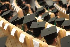 Prace dyplomowe i doktorskie pod lupą systemu