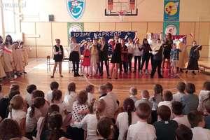 Dzień Papieski w Szkole Podstawowej nr 3  w Działdowie [zdjęcia]