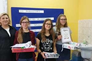 Plastyczny konkurs o oszczędności w szkole w Tereszewie