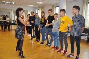 Młodzi aktorzy na prawdziwej scenie