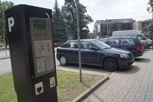 Olsztyn nie zniesie opłat za parkowanie w strefie
