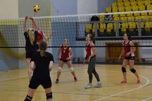 Siatkarki rozpoczęły rywalizację o mistrzostwo Ostródy