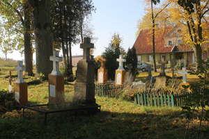 Sątopy-Samulewo. Jaka jest historia tego cmentarza?