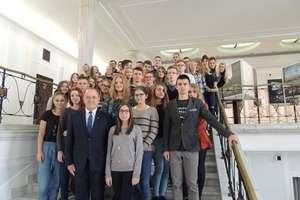Licealiści z Bartoszyc zwiedzili Sejm i Muzeum Powstania Warszawskiego