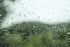 W pogodzie będzie się działo. Wysokie ciśnienie, niska temperatura i ulewne deszcze