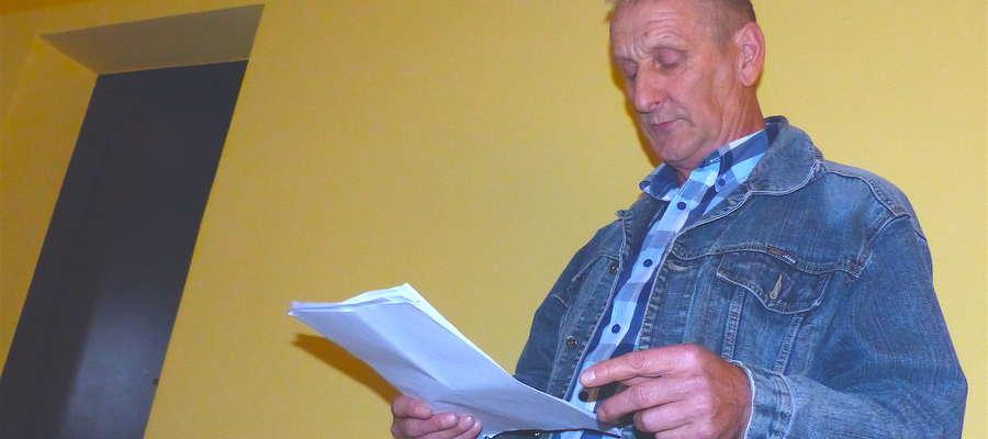 Benedykt Kreński poprosił o głos podczas sesji Rady Gminy Kurzętnik