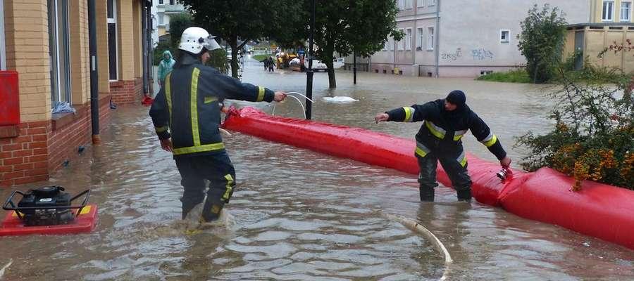 We wrześniu z powodzią w Elblągu walczyły m. in. zastępy straży pożarnej
