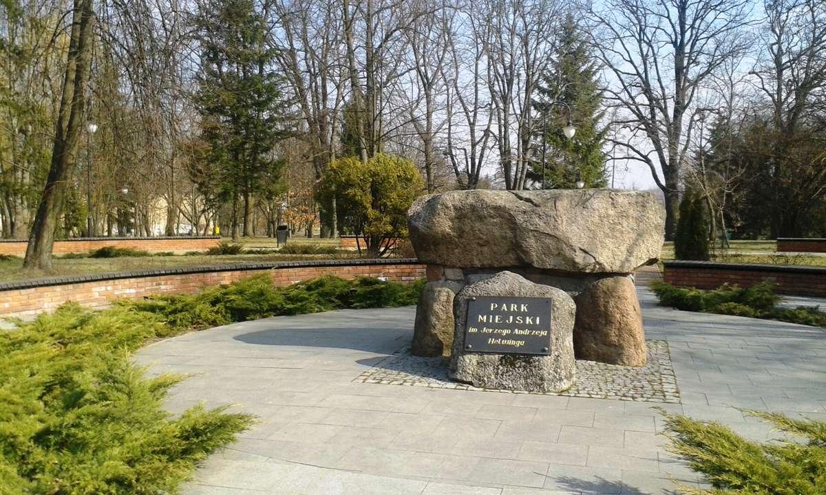 Węgorzewo: Pomnik Poległych w czasie Wielkiej Wojny - full image