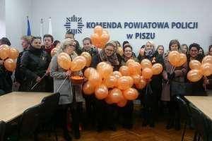 Pomarańczowy kolor przeciwko przemocy