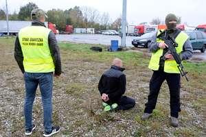 Próbowali przemycić do kraju kilkanaście kilogramów narkotyków. Zobacz nagranie z zatrzymania  [ZDJĘCIA i WIDEO]