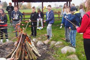Jesienny piknik uczniów ze szkoły podstawowej w Wojciechach