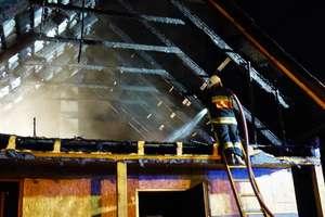 Nocna łuna nad miastem. Spłonął dom w Pacółtowie