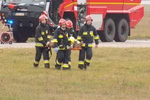 Pożar samolotu i ewakuacja pasażerów. Na lotnisku w Szymanach odbyły się ćwiczenia