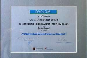 """Gmina Rozogi otrzymała wyróżnienie za projekt """"V Mistrzostwa Świata Indiaca w Rozogach""""."""