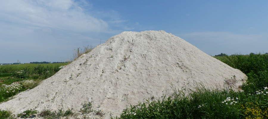 Wapnowanie jest ważnym zabiegiem, służącym m.in. odkwaszeniu gleby