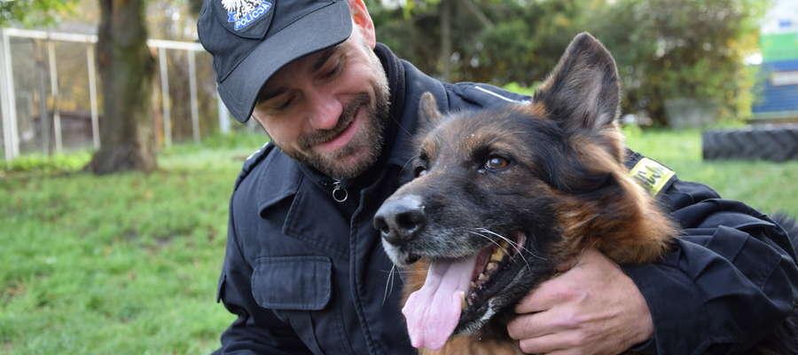 Dominik Bieniek i pies Dragon