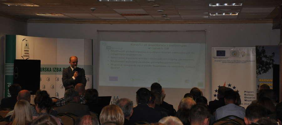 Wsparcie realizowane w ramach SIR polega głównie na ułatwieniu rolnikom dostępu do wiedzy naukowej